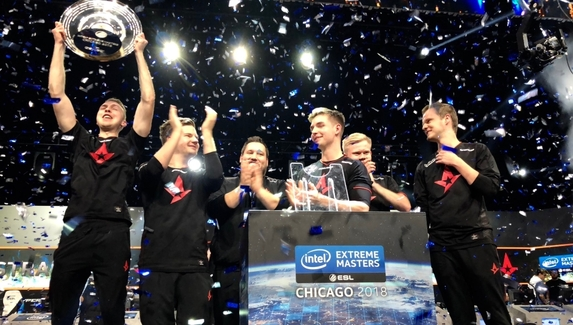 Gla1ve сломал трофей IEM Chicago