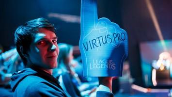 Virtus.pro и Vaevictis сразятся в финале Континентальной лиги