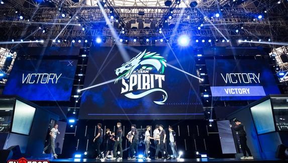 Team Spirit и Winstrike Team вышли в плей-офф майнора СНГ по CS:GO