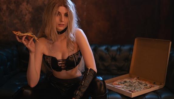 Дьявольски роковая женщина — косплей на Триш из Devil May Cry