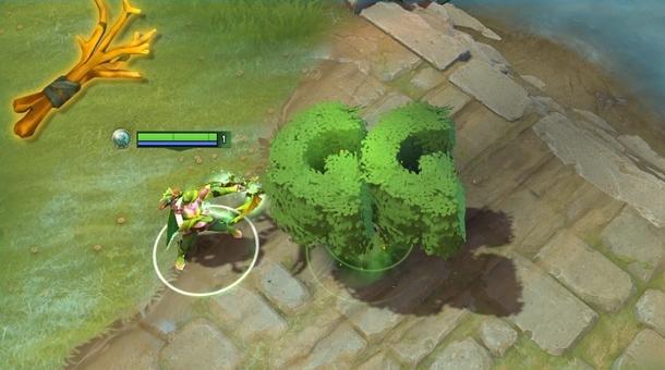 Маленькое счастливое деревце в форме «GG»