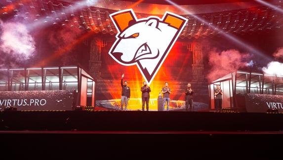 V1lat о первой игре Virtus.pro на DreamLeague Major: «Должны этот матч выигрывать в 99 из 100 случаев»