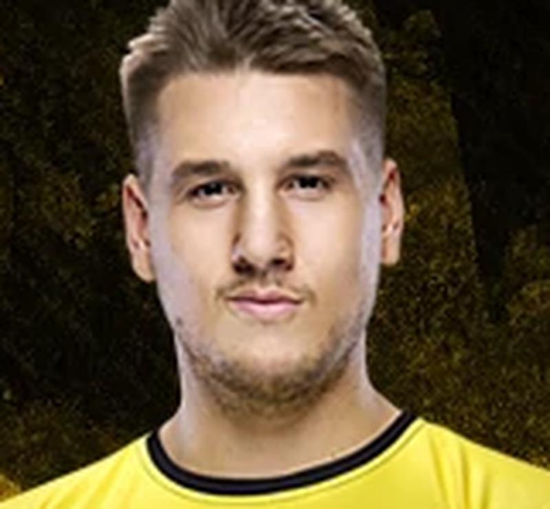 Данил Zeus Тесленко