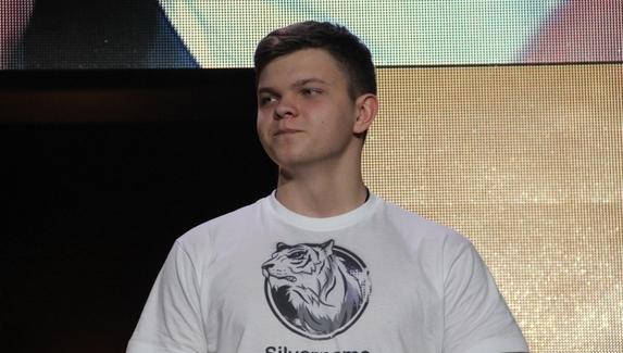SilverName прошел в плей-офф WESG 2018 по Hearthstone