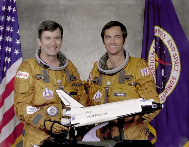 Астронавты NASA Джон Янг и Роберт Криппен — люди, которые первыми полетели в космос на шаттле | Источник: NASA.gov