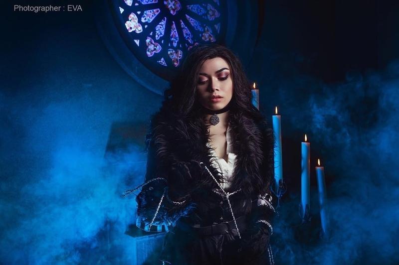 Косплей на Йеннифэр из Венгерберга. Фэндом: The Witcher. Фотограф: ЕVA Cosplay-photo. Косплеер: Анжелика lumenrrubeum. Источник: instagram.com/lumenrrubeum