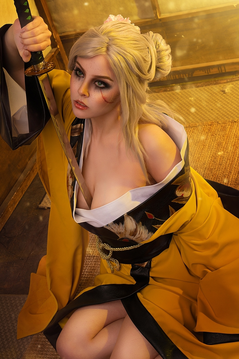 Косплей на японскую версию Цири из The Witcher 3. Косплеер: Helly Valentine. Источник: hellyvalentine_cosplay