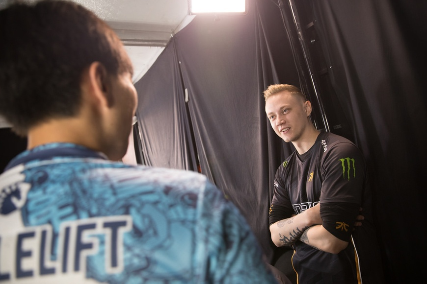 Fnatic Rekkles discusses why he benched himself, prospects of stage return