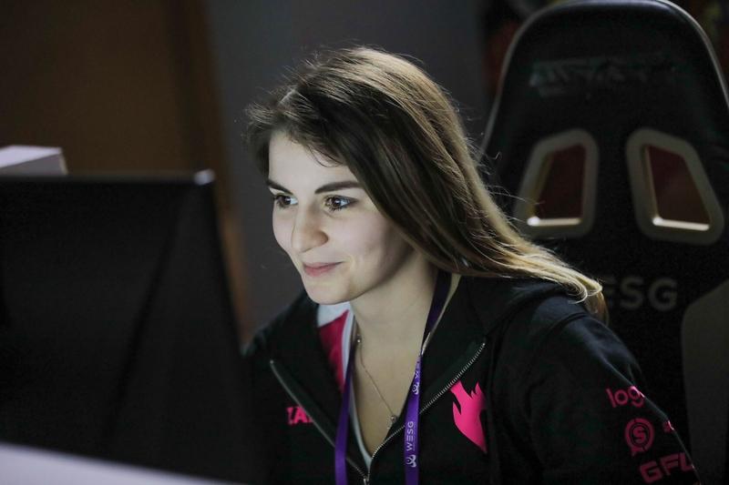 Анна Ant1ka Ананикова, профессиональный игрок в CS:GO