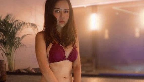 Девушки провели стрим на Twitch из джакузи — бан канала продлился меньше суток