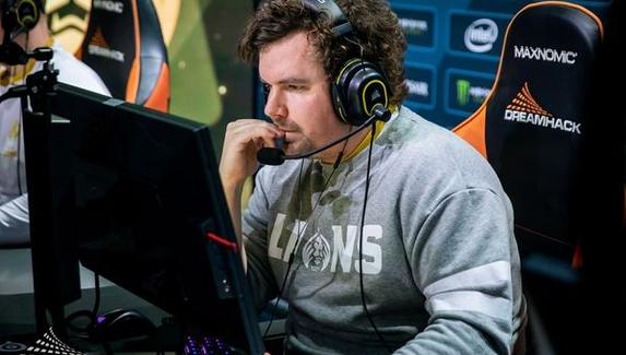 ESL и DreamHack оштрафовали команды за использование бага на позиции тренера