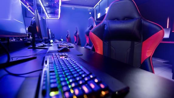 Вакансии в киберспорте и гейминге в марте — контент-менеджер в Gambit и нарративный геймдизайнер в Banzai.Games