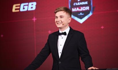 Финский RUSH B. Петрик показал фишки участников EPICENTER 2018