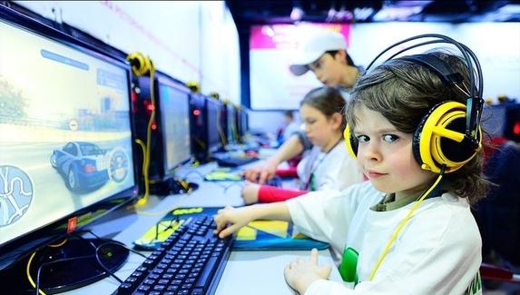 Депутат от ЛДПР предложил провести чемпионат по киберспорту среди школьников — организаторами могут стать Мэддисон и NS