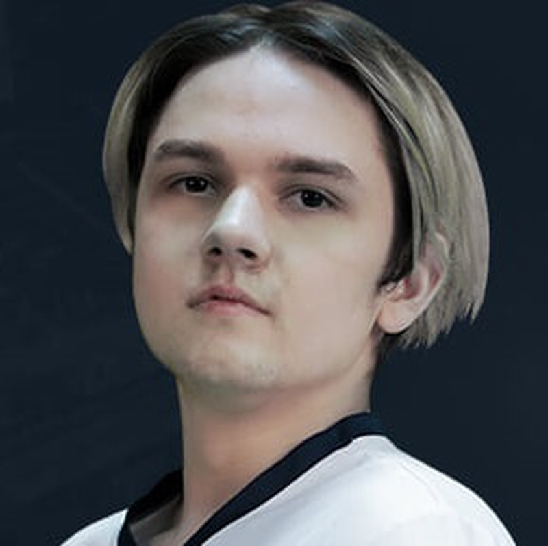 Илья Yatoro Мулярчук