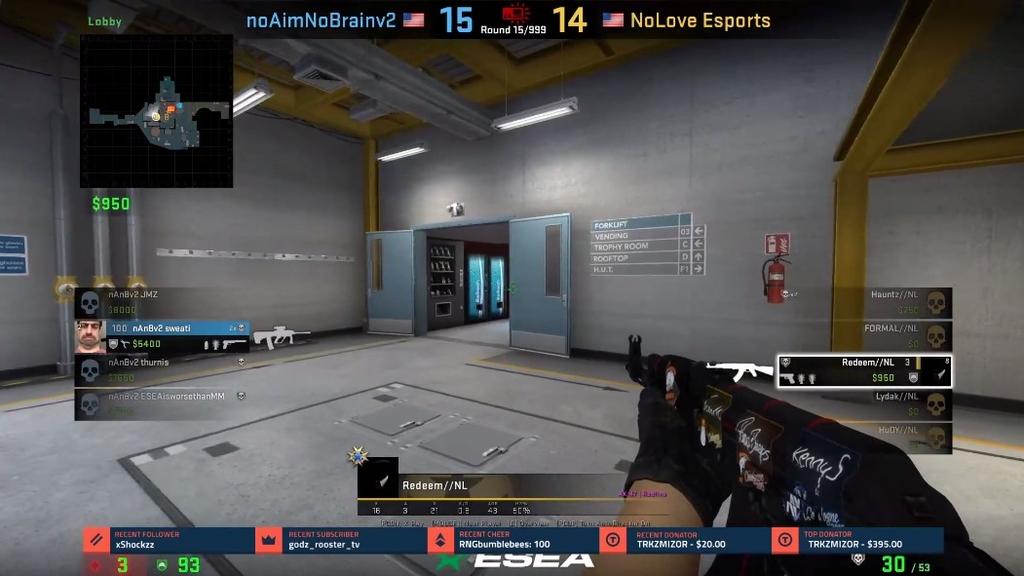 Соперники разминулись на пятачке — забавный хайлайт в матче по CS:GO