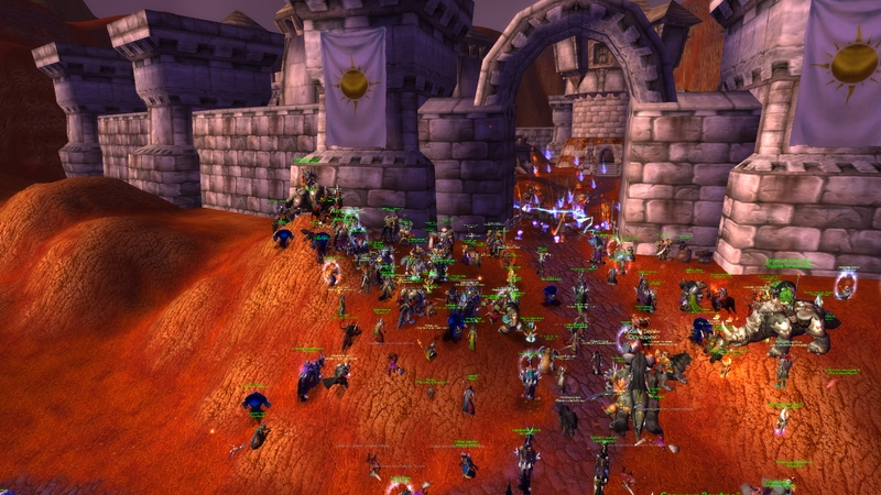Сражение в Выжженных землях — Орда штурмует поселение Альянса и... оказывается разбита.