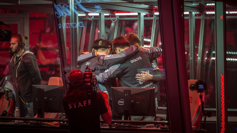 Fnatic preparing for their series against Digital Chaos at The International 2016, where they finished fourth. Photo: Valve