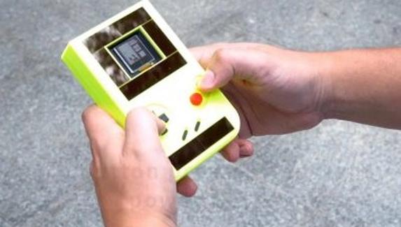 Ученые создали Game Boy, работающую без батареек
