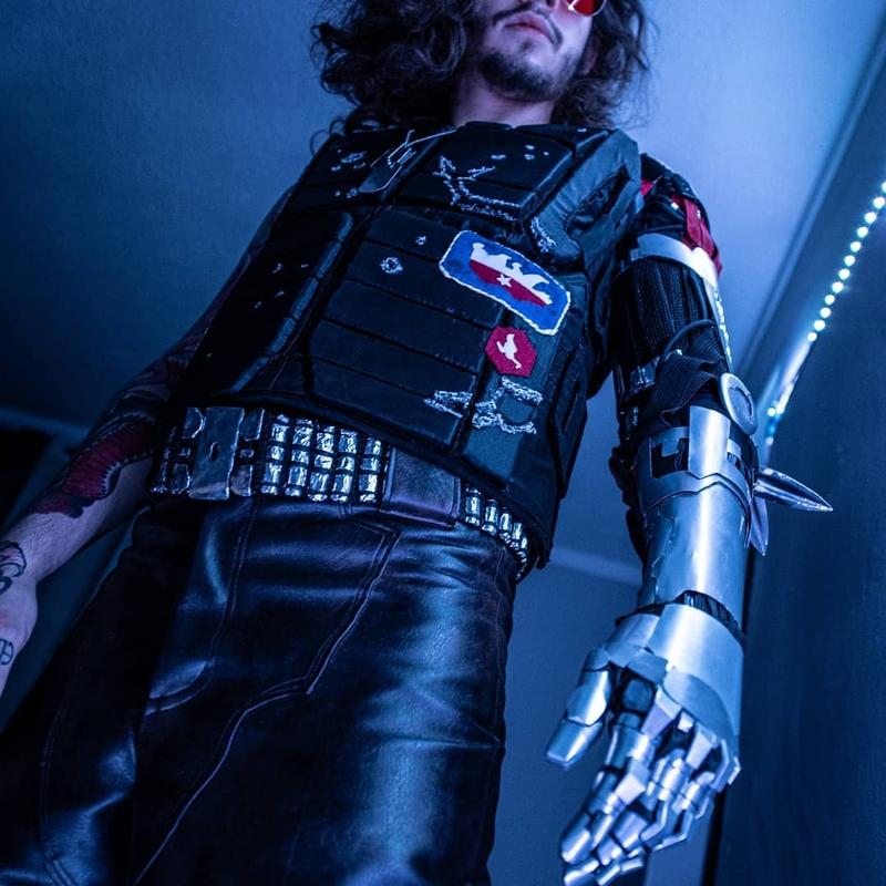 Косплей на Johnny Silverhand из Cyberpunk 2077. Модель: Kody. Источник: instagram.com/x_kodyalexander_x