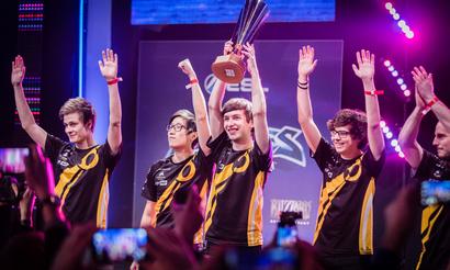 Team Dignitas — двукратные чемпионы Европы!