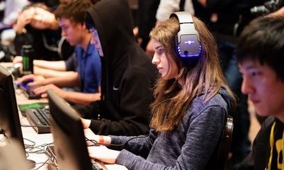 Rail и Scarlett сыграют в плей-офф WESG 2018 по StarCraft II