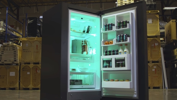 Microsoft официально анонсировала холодильник в форме Xbox Series X