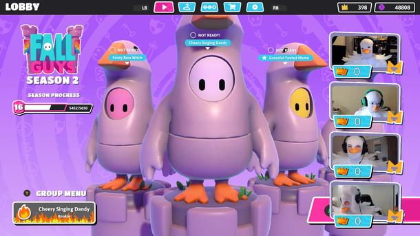 Кадр с трансляции с костюмами гуся — как у разработчиков, так и у персонажей