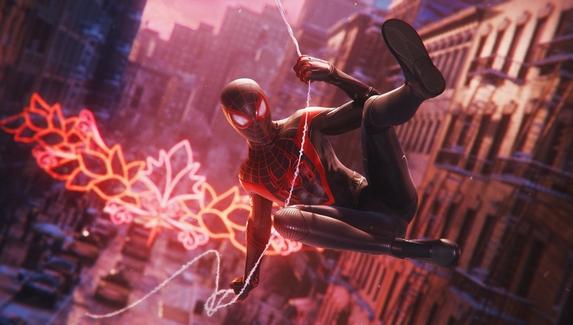 Фанат воспроизвёл в Spider-Man: Miles Morales сцену из «Человек-паук: Через вселенные»