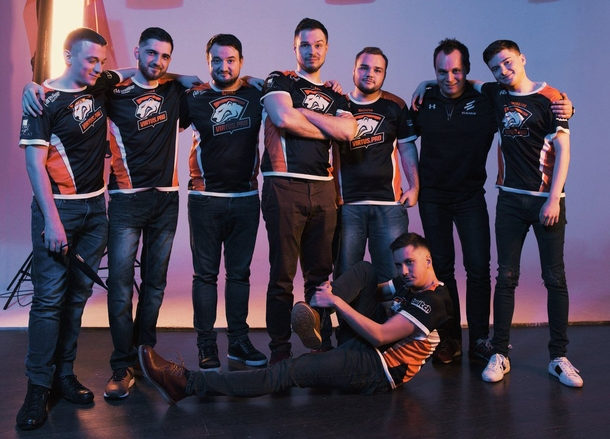 Virtus.pro roster with RodjER